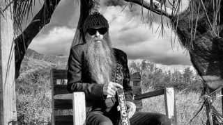 Billy Gibbons Le guitariste de ZZ Top aime les belles carrosseries