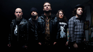 THE DAMNED THINGS Le retour du supergroupe heavy rock de Scott Ian