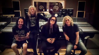 THE DEAD DAISIES • En studio dans le Sud de la France