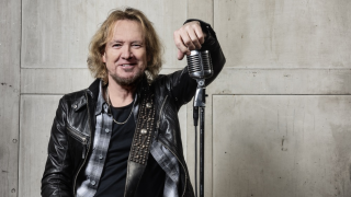 SMITH/KOTZEN Interview Adrian Smith