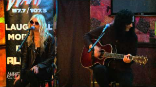 "THE PRETTY RECKLESS : ""Heaven Knows"" (Acoustic Live)"