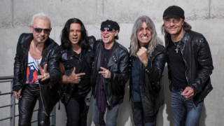 SCORPIONS Mikkey Dee, batteur officiel du groupe