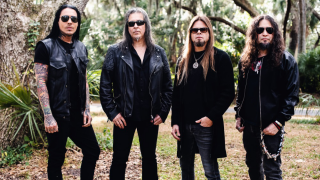QUEENSRYCHE • Trompé par PledgeMusic