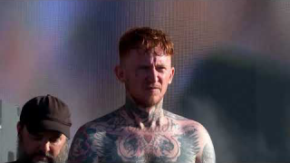 "Frank Carter & THE RATTLESNAKES • ""I Hate You"" (Live @ Reading & Leeds 2019)"