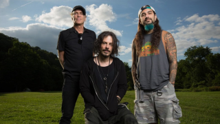 THE WINERY DOGS • Le groupe souhaite enregistrer un 3e album