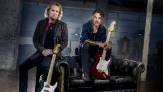 "Adrian Smith & Richie Kotzen • ""Taking My Chances"", 1er single de leur collaboration"