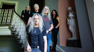 "SAXON • ""Paint It Black"" 1er extrait de l'album ""Inspirations"""
