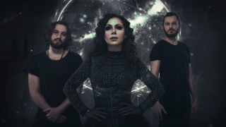 "PHANTOM ELITE • ""Glass Crown"", nouvel extrait de l'album ""Titanium"""