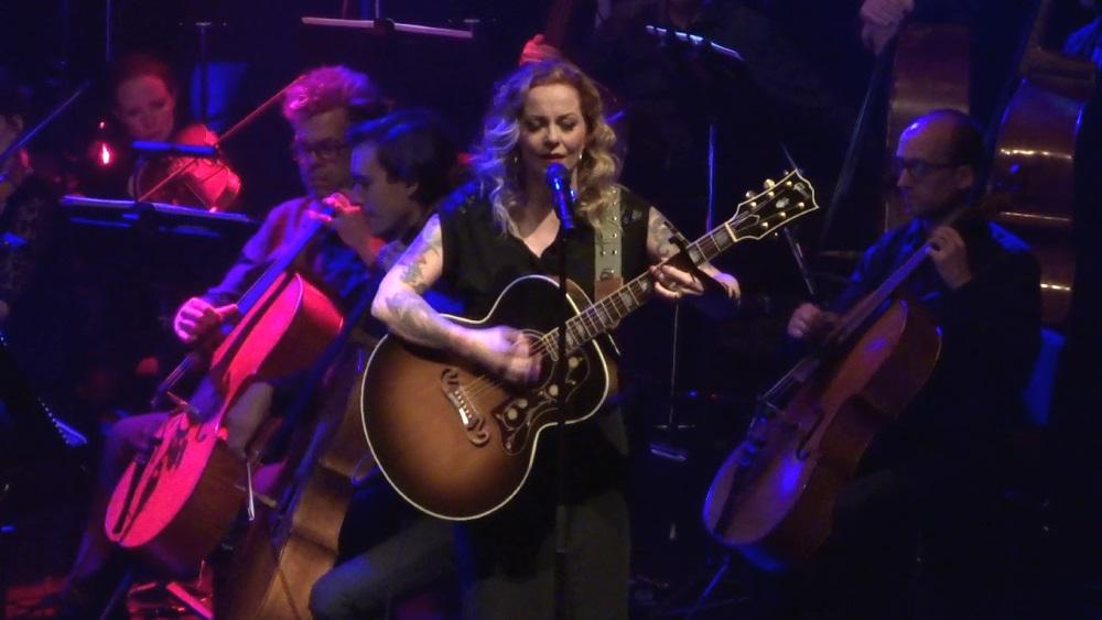 """Anneke van Giersbergen <span>• """"Symphonized"""" - album live mi-novembre</span>"""