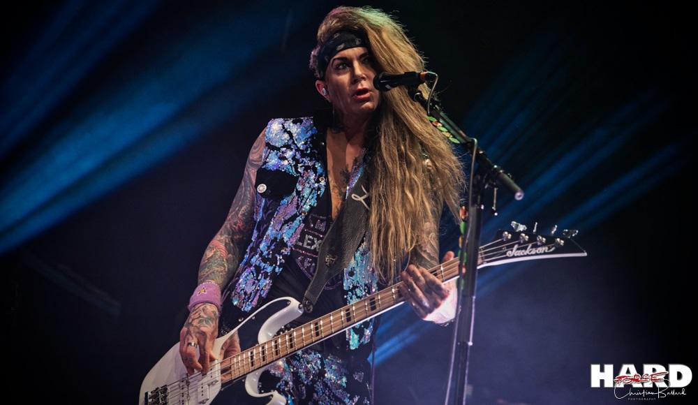 STEEL PANTHER La fin d'une ère pour le bassiste Lexxi Foxx